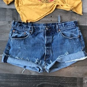 Sexy Plus Size Cut Off Levi Shorts Wedgie RibCage
